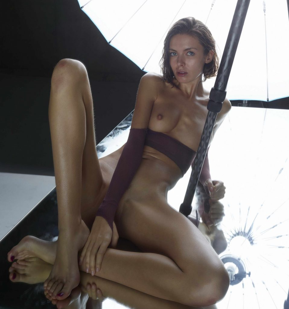 Russian Lady Naked And Wet